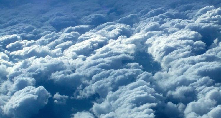 Colorear las nubes para corregir cambio climático